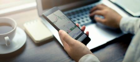 How To Download And Install MetaTrader 4 Mobile (iOS)